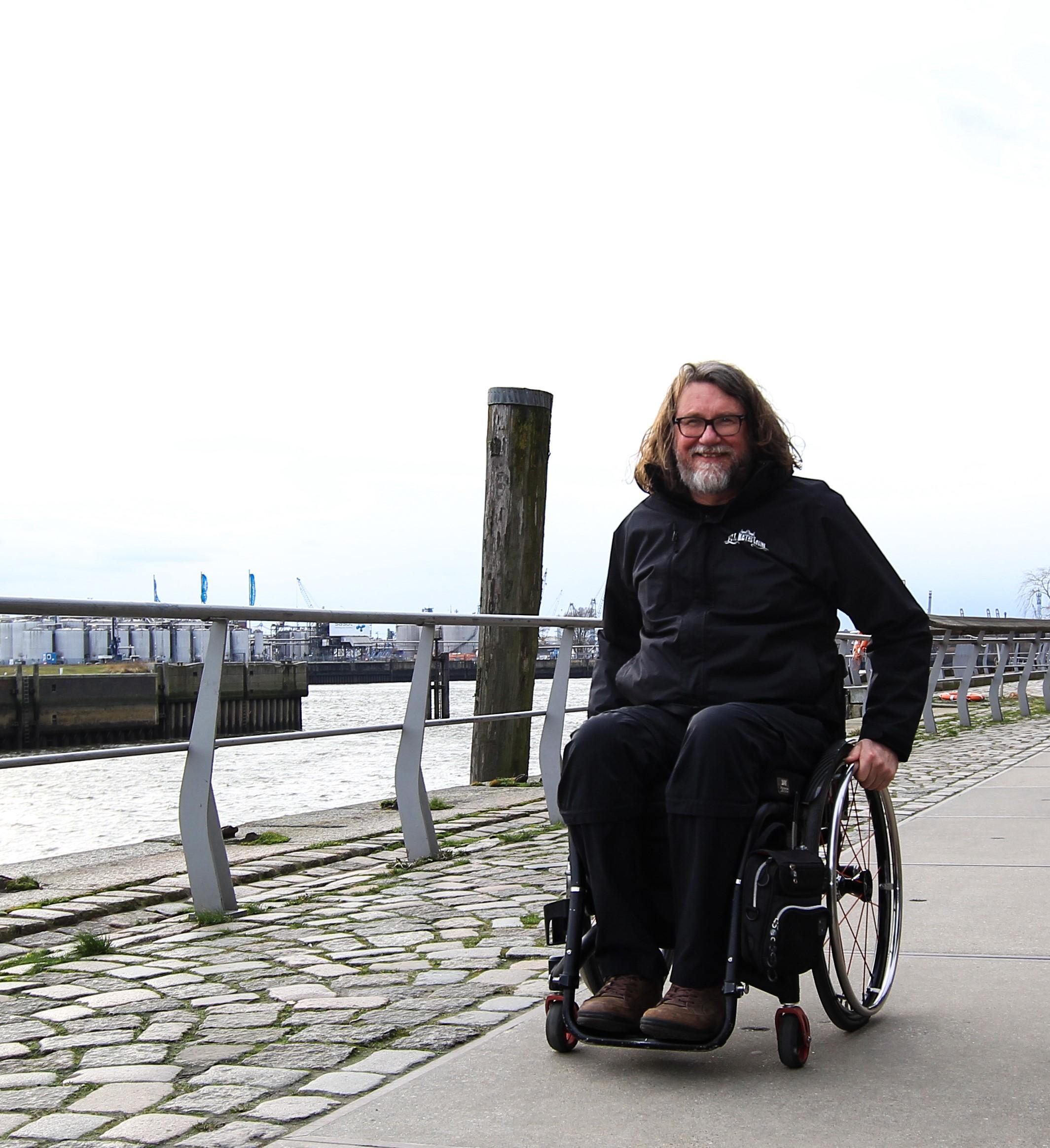"""Stadtführer seit:  2018  """"Der Rollstuhl ist für mich kein Handicap, er erlaubt mir mein normales Leben zu leben"""""""